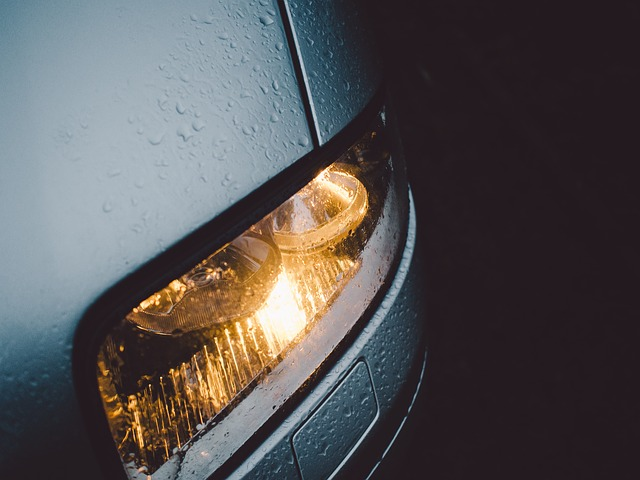 svítící vozidlo