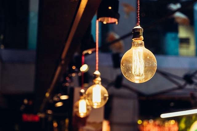 závěsné osvětlení.jpg