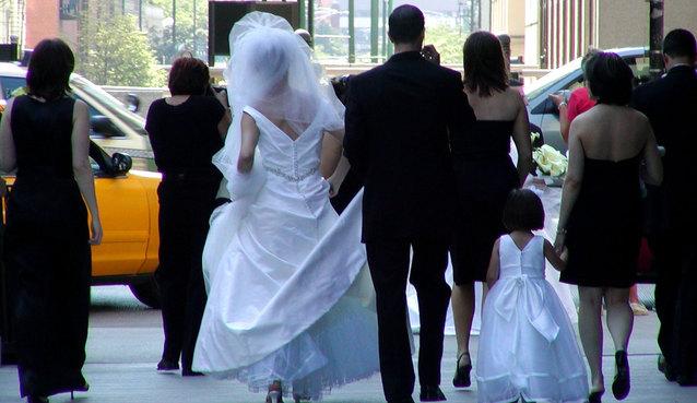 pár ve svatebním